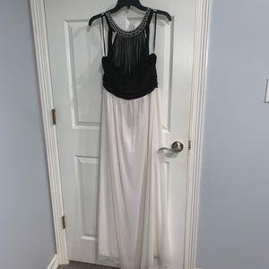 Speechless Illusion Long Bridesmaid Dress Maxidres